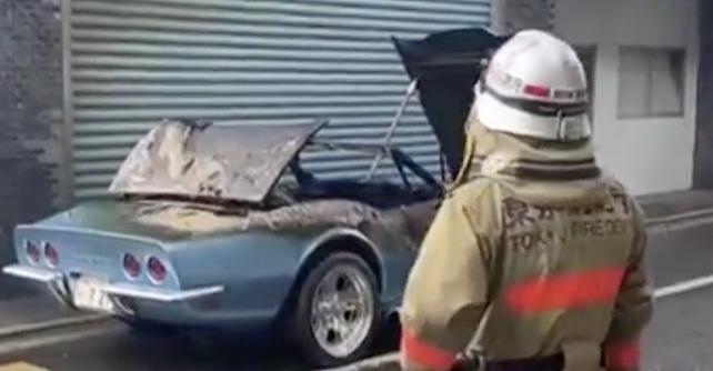 松岡充の愛車遍歴。青のコルベット1968年は故障事故で炎上[画像]
